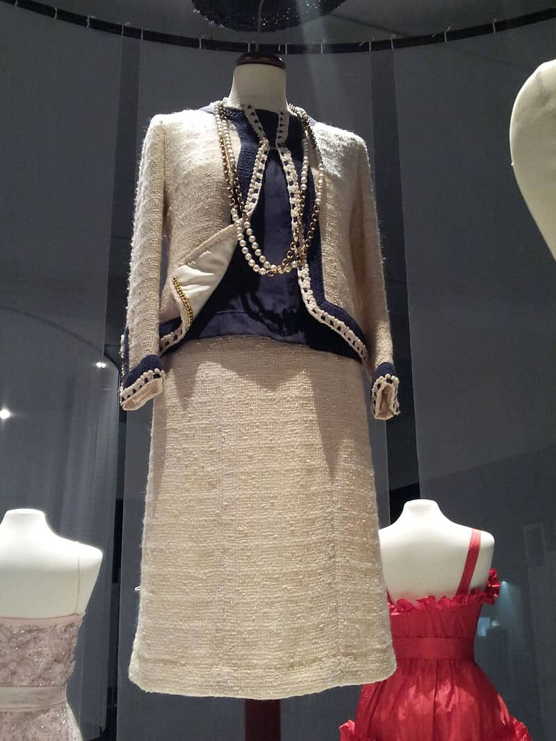 Tailleur Chanel anos 60