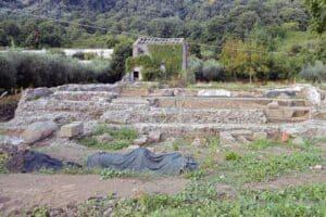 cultos romanos ruinas do templo de Diana em Nemi