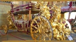 Museu Nacional dos coches horse carriages capa
