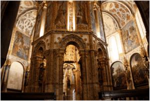 Convento de Cristo charola interior